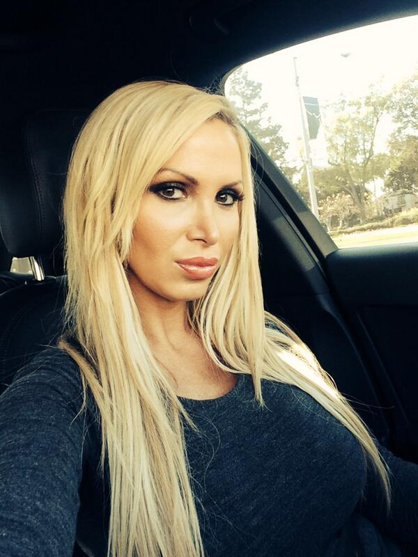 Nikki Benz On Twitter: &Amp;Quot;I Grew Up In Toronto, Canada. Hockey To Us Is Life.  For The Love Of Sports! #Puckbunny #416Girl Http://T.co/Fgpymfwany&Amp;Quot;
