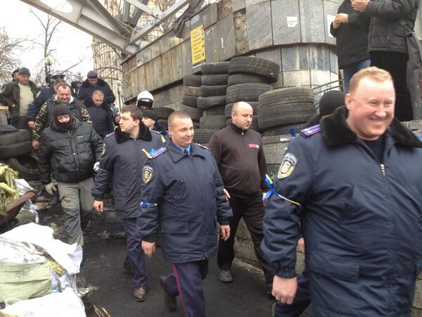 Policemen from Western Ukraine arrived to Kyiv to support protestors on Maidan |PR News #Euromaidan http://t.co/TgxxvioOdn