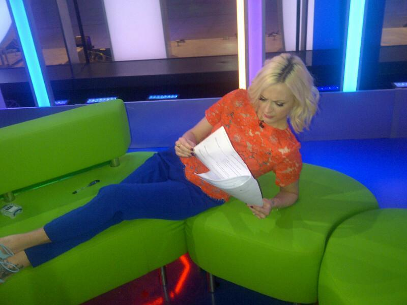 RT @achrisevans: Ms Cotton in the zone going through tonights One Show script. Yes ! We do have a script ! Yes ! We do rehearse http://t.co…