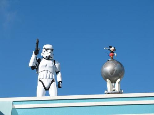 NEWS: Disney expands #StarWarsWeekends to FIVE weekends in 2014! http://t.co/aS9saXZVXJ #starwars http://t.co/6V3SQnFmFt