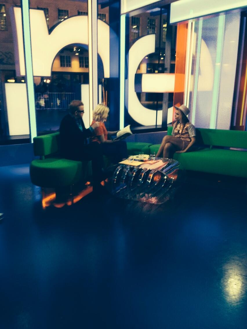 Thanks for having me again The One show. What a delight having Paloma on too! ❤️ http://t.co/gI53WU3b5k