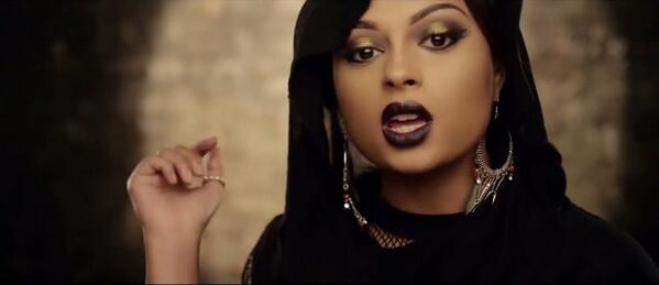 Banger Alert: Nizzy releases the video for Egwu featuring Lola Rae http://t.co/p67eCwHvcc http://t.co/Z6cNTI2hYd
