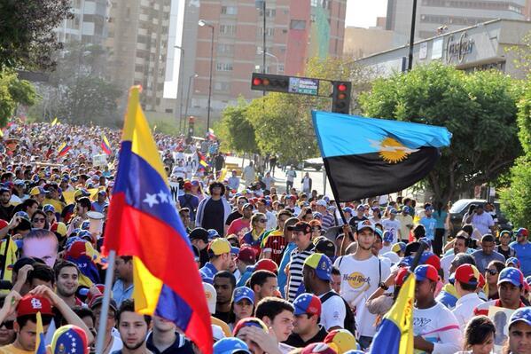 Así fue la marcha de hoy en Maracaibo! Viva nuestra gente! http://t.co/FbxhiWjA6Q