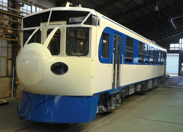 「0系新幹線ディーゼル車」の実物です!3月15日から予土線を走ります。t.asahi.com/e1mp pic.twitter.com/BfBdjSdMEP
