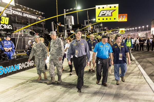 Fantastic photo of @RickSantorum walking down pit lane at #Daytona500 #NASCAR http://t.co/FIff5oOcDf