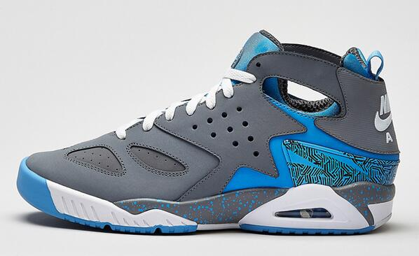 3a3abb1b883 ... reduced foot locker on twitter the nike air tech challenge huarache  cool grey is now available ...