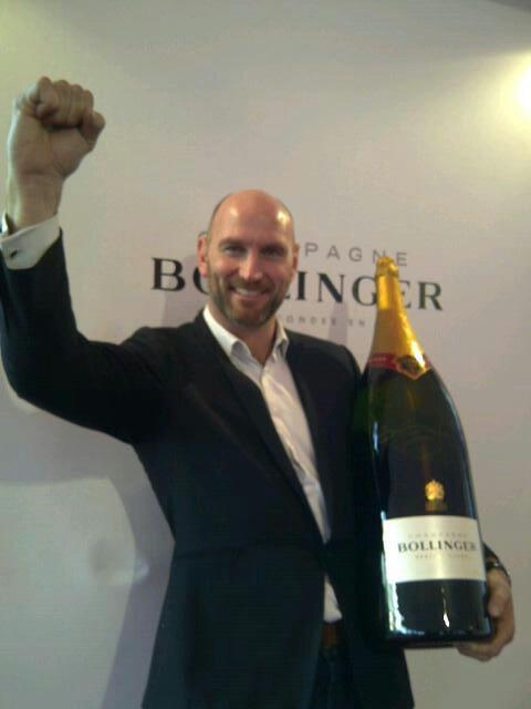 The #BollingerBigBoy signed by @dallaglio8 could be yours, simply RT and follow @dallagliofdn - Come on England! http://t.co/J8E51TPRva