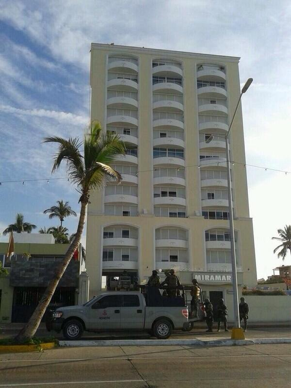 """Este es el condominio Miramar, donde presuntamente fue capturado el """"Chapo"""" Guzmán. http://t.co/o2IJaWa9mK"""