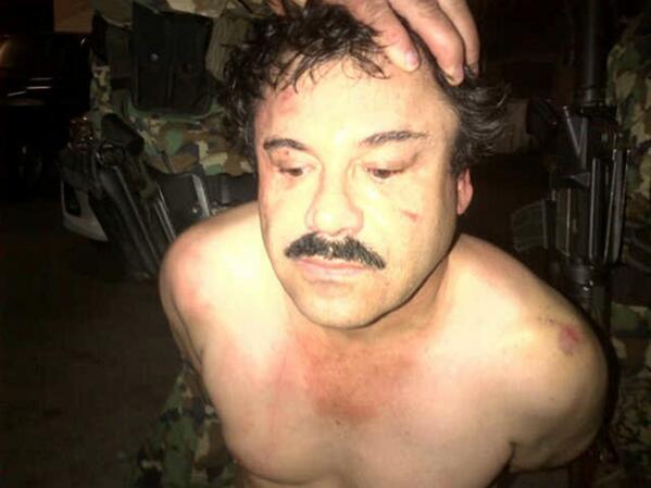 Fotografía de la presunta detención de el Chapo Guzmán publicada por @nytimes http://t.co/gqUfwcDCs1 http://t.co/pWrQE7NcEr