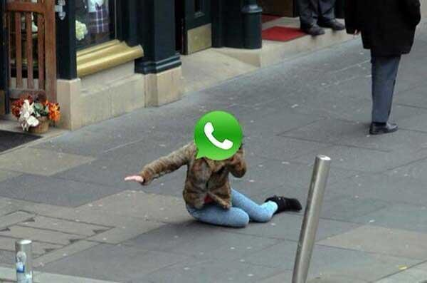 Se cayó Whatsapp. http://t.co/nhCZyyOtl4