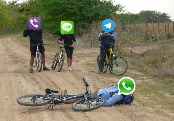 Se entraron? Se cayó #WhatsApp http://t.co/Oirc5SZJFf
