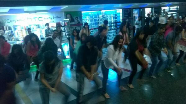 That's our people from @SIMC_Pune at E-Square doing a Flash Mob. This is how we tell everyone about #SIMCinema. http://t.co/1gaeoTJG5U