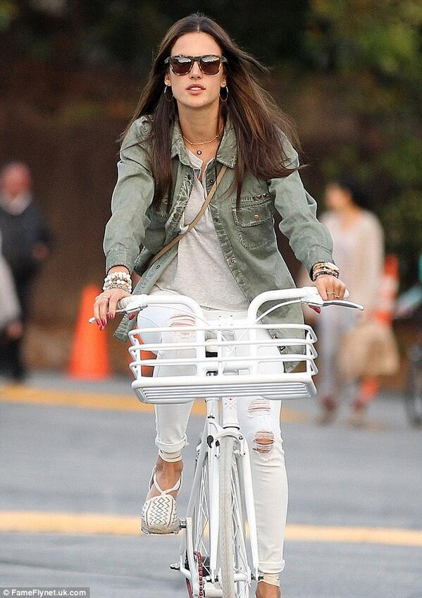Alessandra Ambrosio out for a spin in Brentwood http://t.co/ab35xAGJ6g