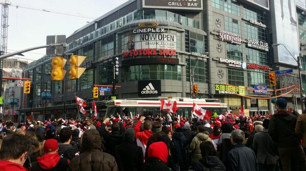 It's legit taking a full minute for #TTC streetcars to get thru #YongeDundas even though no other traffic. Just ppl. http://t.co/5BFlptqr8Q