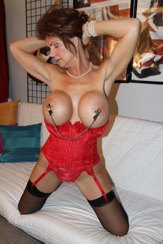 Big boob retro yubes