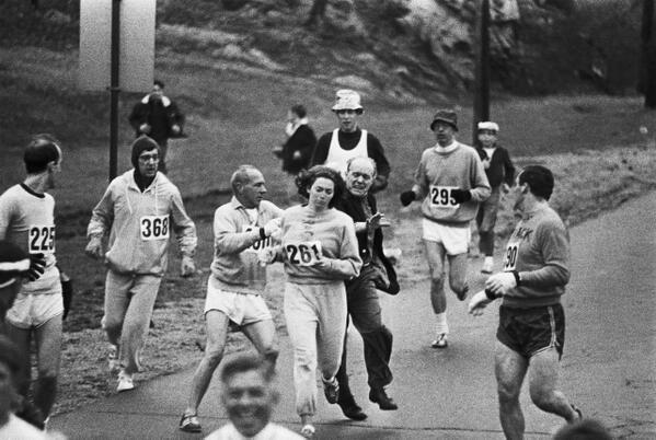 For all those uploading 1970s pics of non-veiled women in Afg: Boston Marathon 1967, women not wanted http://t.co/GBOr4tS6aH @Opzijredactie