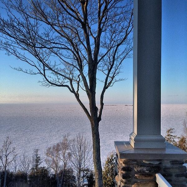 A frozen view of Green Bay #DoorCounty http://t.co/XIFFXHswYc
