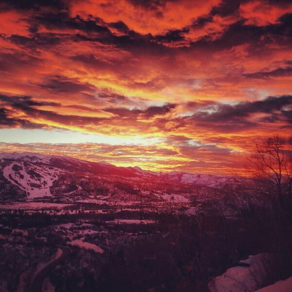 Another incredible #Aspen sunset tonight! http://t.co/3Zd6CQlHpM