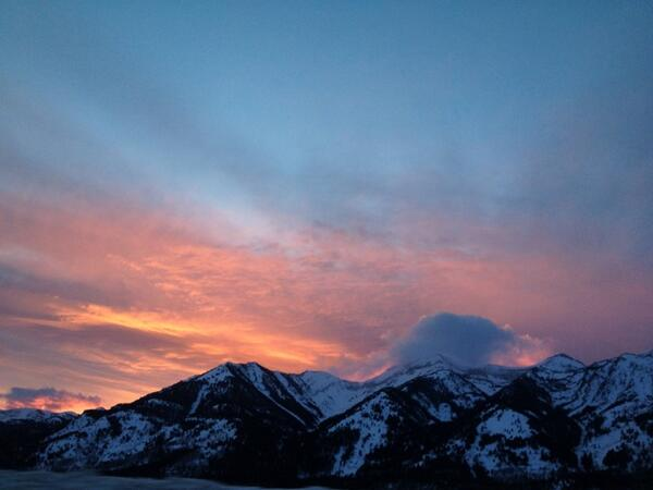 Nice little end to the day!! @jacksonhole @PowderMagazine http://t.co/V3Hav4EuIf