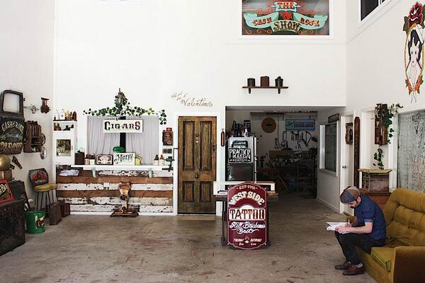 How cool is this studio http://t.co/pk0AS6hcxq // Inside the Studio of a Traditional Sign Painter // http://t.co/NGqtzXhsXL