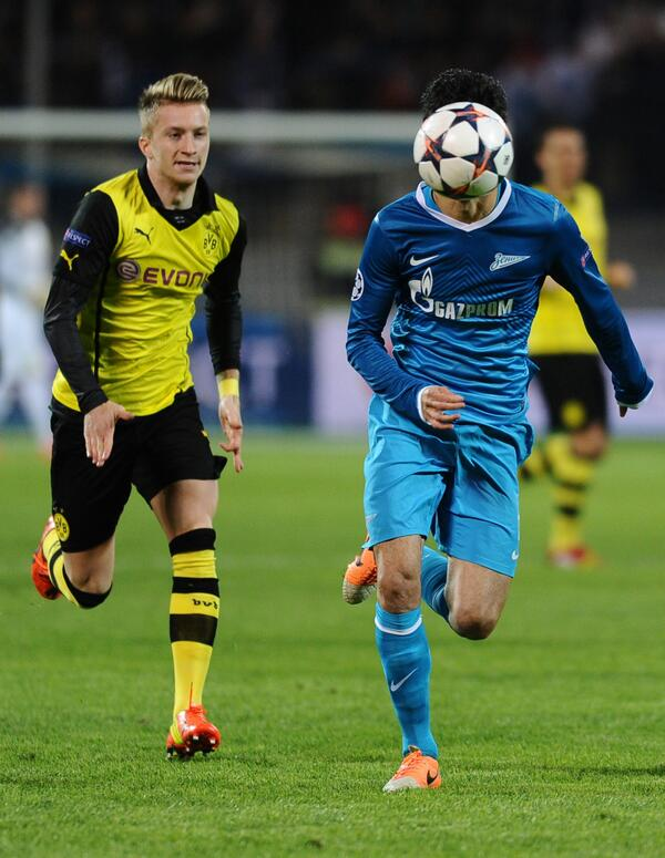 Zenits Luis Neto has a ball face transplant against Dortmund!