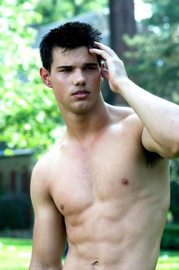 Happy Taylor Tuesday! http://t.co/LDbmmCfedy