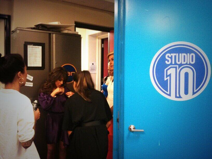 RT @Studio10au: Not too long to go, backstage with @PaulaAbdul before we start the show! #studio10 http://t.co/her5psT2xt