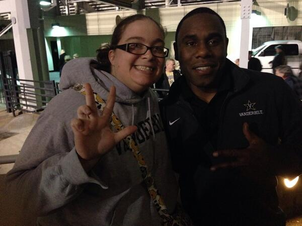Thanks for the pic @CoachDerekMason happy birthday to your little one!  Anchor down! http://t.co/B6NCoSHA7X