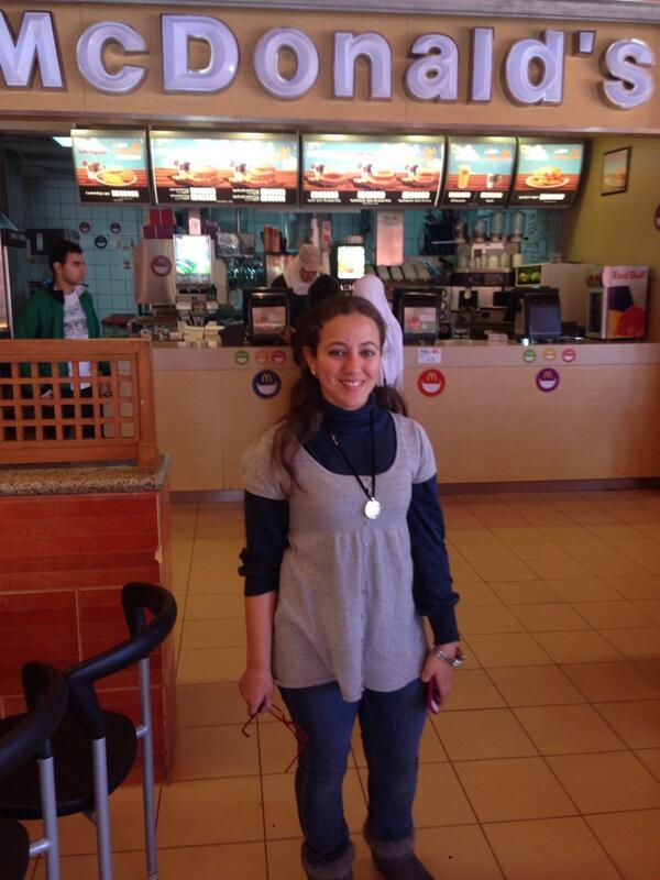"Journalism major Farah Tawfik says that ""McDonald's never gets old."" #JRMC202 #JRLWeb http://t.co/pTbp6PBulK"