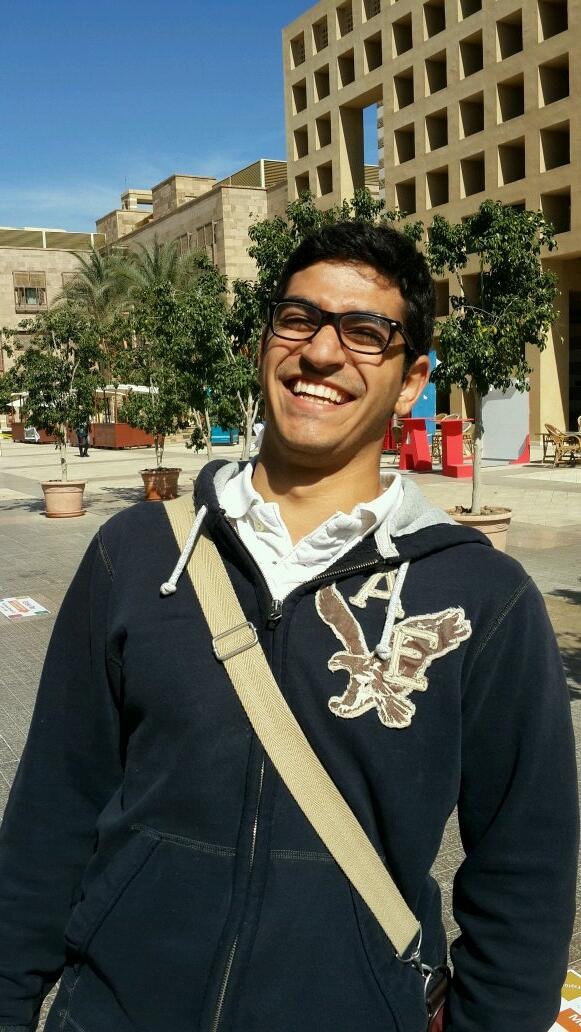 "6) ""AUC has very good sports facilities, better than others around Cairo,"" Omar Khalil,CENG Junior #JRMC202 #JRLWeb http://t.co/QagymigUJc"