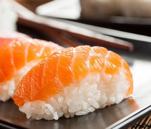 Приготовление суши и роллов