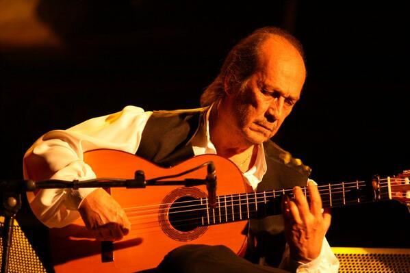 Se ha ido uno de los grandes DEP Paco de Lucia. Hoy todas las guitarras de España han perdido una cuerda http://t.co/OHMN2R4D5m
