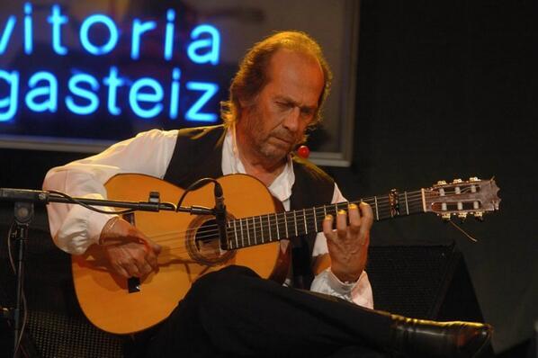 Ampliamos ÚLTIMA HORA | Muere el guitarrista Paco de Lucía http://t.co/6S9lonZ69J http://t.co/PRK45h0hW2