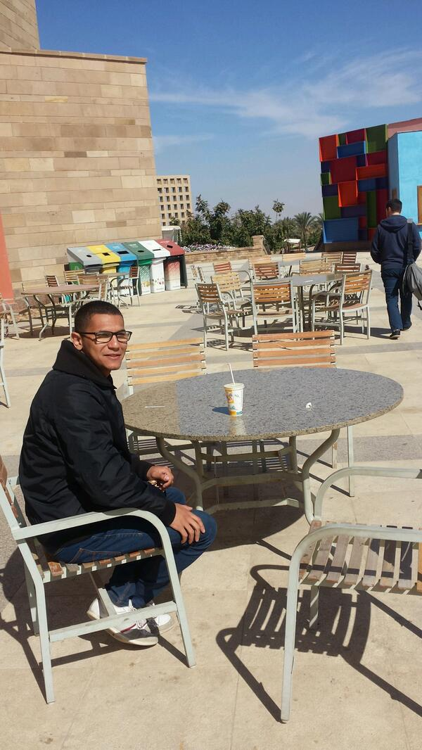 """A quite spot away from all the fuss"",  said Omar Abdelwahed, a junior Business major student. #JRMC202 #JRLWeb http://t.co/KB5Og6DlPb"