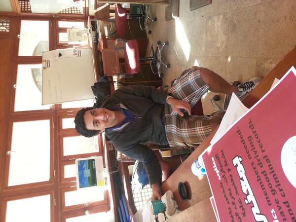 #jrmc202 Q7: Ali Ahmed is here in SU help desk to help students find their answers to whatever they don't know. http://t.co/mZxCJL452K