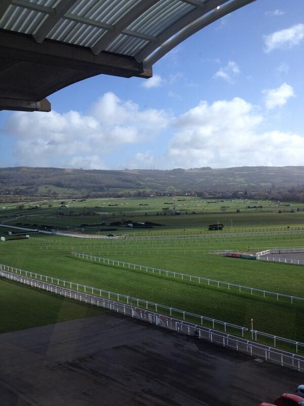 The eighth wonder of the world - Cheltenham. http://t.co/2OiOVVBSbT