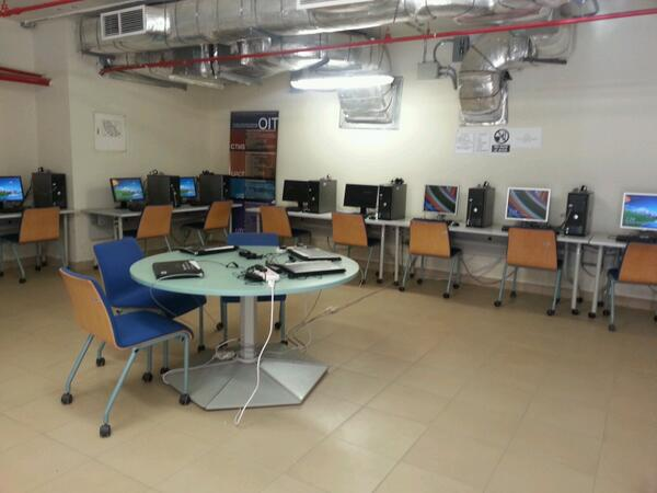 Did you know that there's a hidden computer lab underneath the Office of Student Development? #JRMC202 #JRLWeb http://t.co/TGi8CGnLie