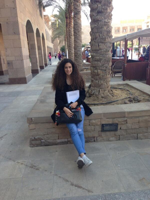 Hannah's favorite spot on campus is near the plaza. #JRLWeb #JRMC202 http://t.co/ooHlXcgtnA