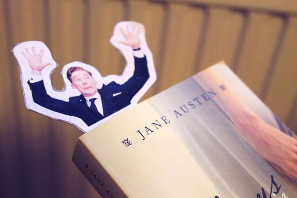 Benedict Cumberbatch photobomb bookmark is the best bookmark: http://t.co/IHnb8lH1C3 http://t.co/LBlQWlVZDP