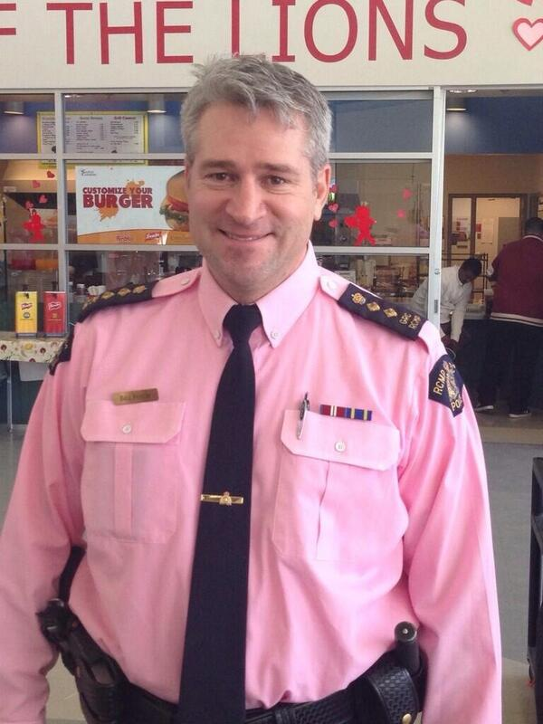 RT @BarinderRasode: @rcmpgrcpolice our OIC @SurreyRCMP #pinkshirtday #stopbullying @brucehayne #surreybc #GRCjeunesse http://t.co/XOTdpt9sQw