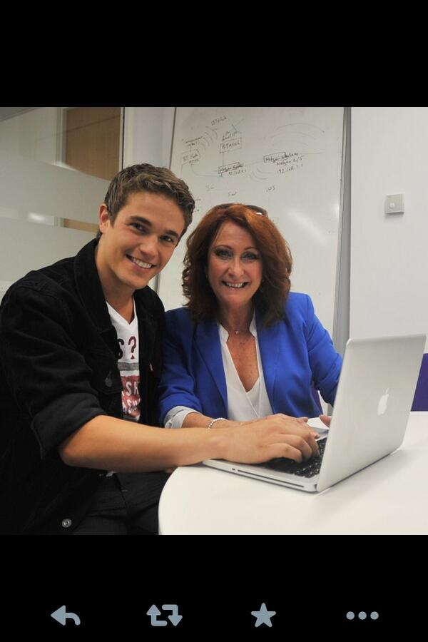 The lovely @NicWestaway and moi http://t.co/KICQB35u5h