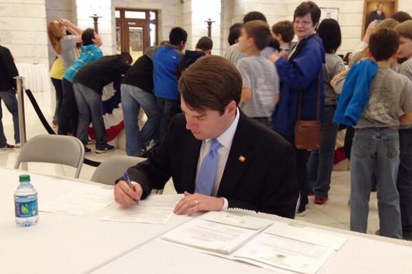 Today I filed the paperwork to become a candidate for State Treasurer. Retweet to show your support! #arpx http://t.co/RB42O7noGB
