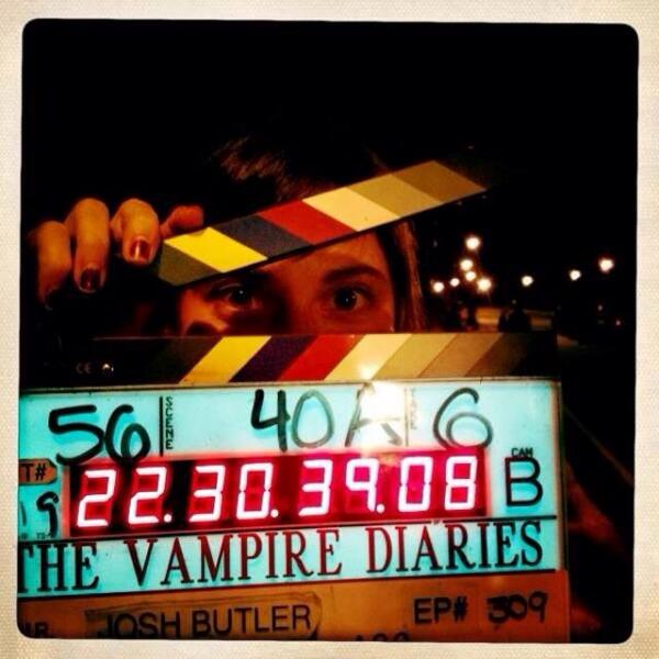 #slatesforsarah such a pleasure to work with her on Vampire Diaries. Picture of Sarah from my first ep of #TVD http://t.co/3kmOLedj1Y