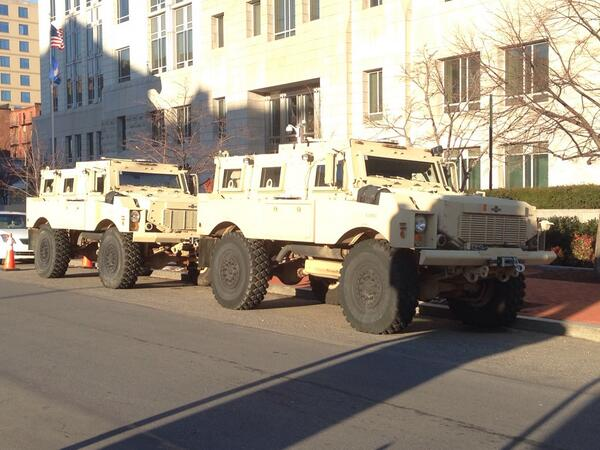 File:FBI Police Charger and Oshkosh Law Enforcement Truck.jpg ...