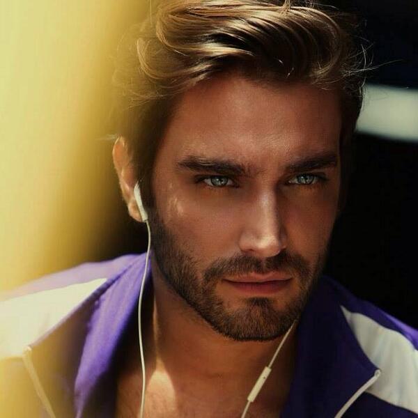 Este es el hombre más guapo del mundo! @richkorkowski ; actor. Lo queremos ver protagonizando ya! Estas de acuerdo RT http://t.co/qXV68A3K7m