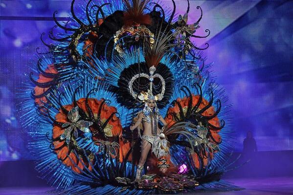 ¡El #CarnavalSC ya tiene reina! Amanda Perdomo San Juan #GalaTF14  ¡Muchas felicidades! http://t.co/Hi4LO9ChJF