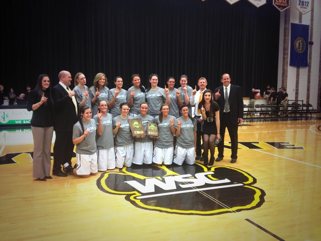 Your NSIC regular season champs. Way to go, @WayneStateWBB ! #gocats #nsic http://t.co/uDxvlHr8Th