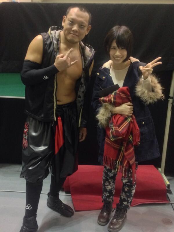 名古屋大会の試合前にSKE48の中西優香さんと写真を撮っていただく!! 天国を味わう。。。 it was good day!!   #w_1 http://t.co/bbVdR35Xnd