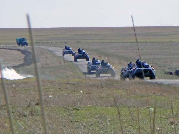 التصعيد العسكري الروسي بشبه جزيرة القرم الأوكرانية  Bhen5znCUAA3ckO