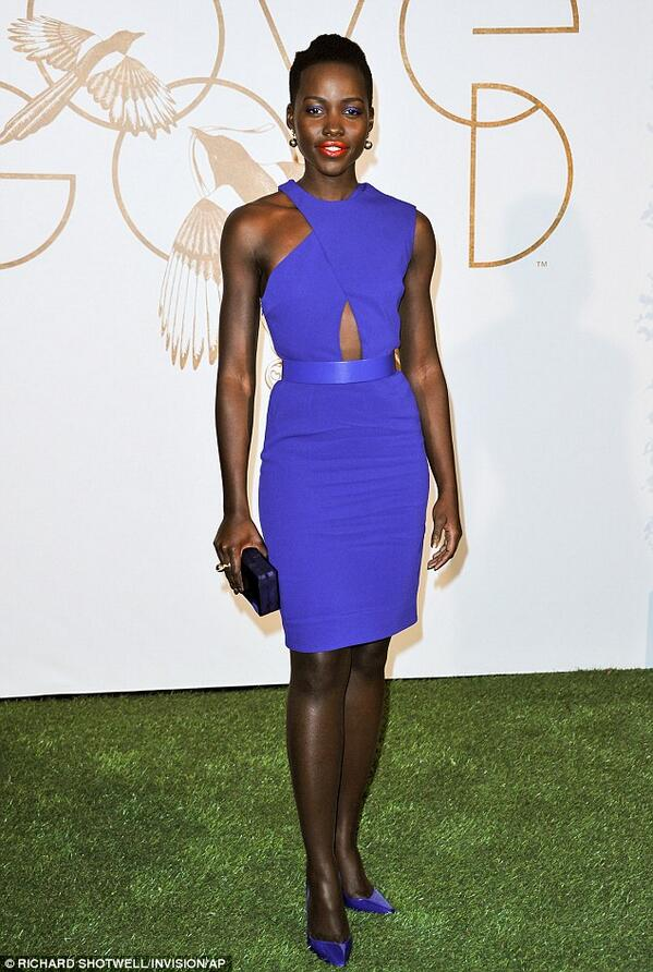 Lets hear it for Lupita as Oscar Week starts to get to fever pitch #Diva #BHM http://t.co/CjdNWYgygB